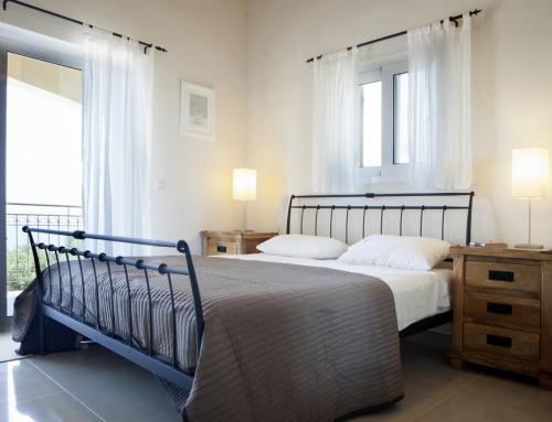 Asteri master bedroom